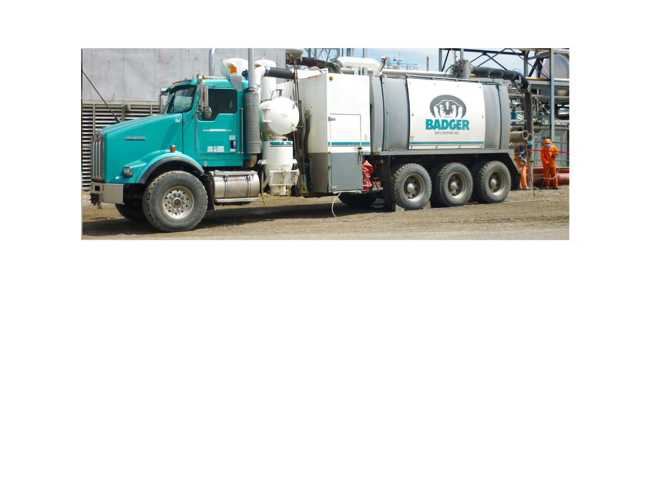 Badger-Daylighting-hydrovac-vacuum-truck-services-usa-canada